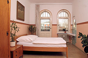 klassenausflug nach berlin sch ne unterkunft im hotel. Black Bedroom Furniture Sets. Home Design Ideas