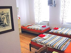 apartments in der city berlin freie unterkunft im m rz april mai juni juli september oktober. Black Bedroom Furniture Sets. Home Design Ideas